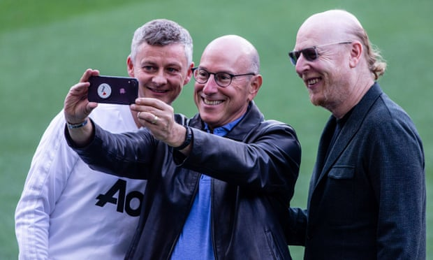 Joel Glazer vows to allow fans shares in Manchester United
